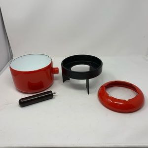 Vtg red enamel fondue pan with removable lip